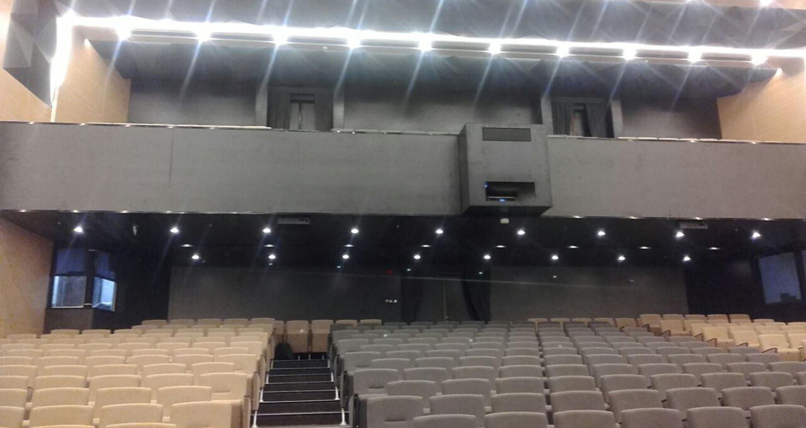 Montaggio Arredi Teatro